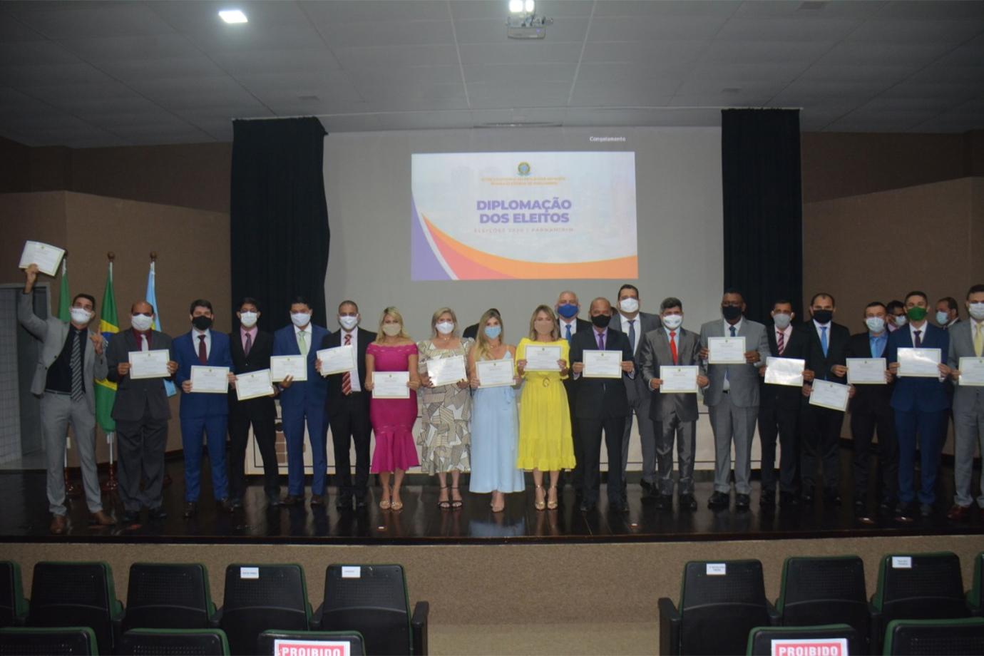 Prefeito, Vice-Prefeita e Vereadores de Parnamirim são diplomados