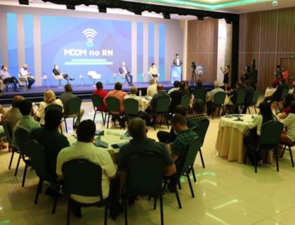 Prefeito participa de evento sobre conectividade, conduzido pelo Ministério das Comunicações
