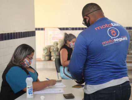 Prefeitura dá continuidade à entrega dos kits merenda