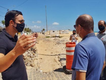 Prefeito visita obras de urbanização do litoral e caminhódromos