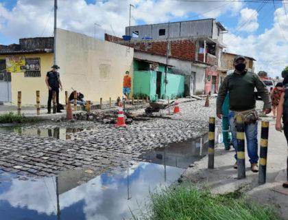Plantão da Semur monitora situação de descarte de água servida e orienta moradores