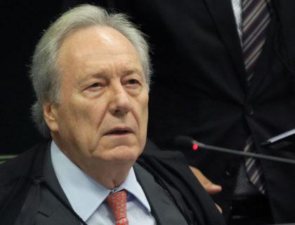 Lewandowski reconhece direito de secretária ao silêncio parcial na CPI