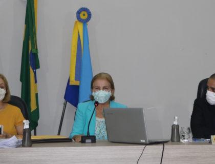 Em sessão realizada pela Câmara Municipal, Educação presta contas à população