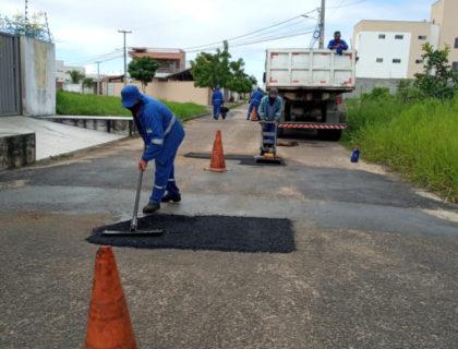 Semop segue realizando serviços de manutenção de calçamento e asfalto