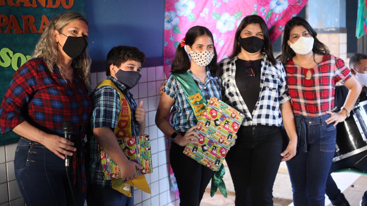 Escola Presidente Costa e Silva faz arraiá Virtual
