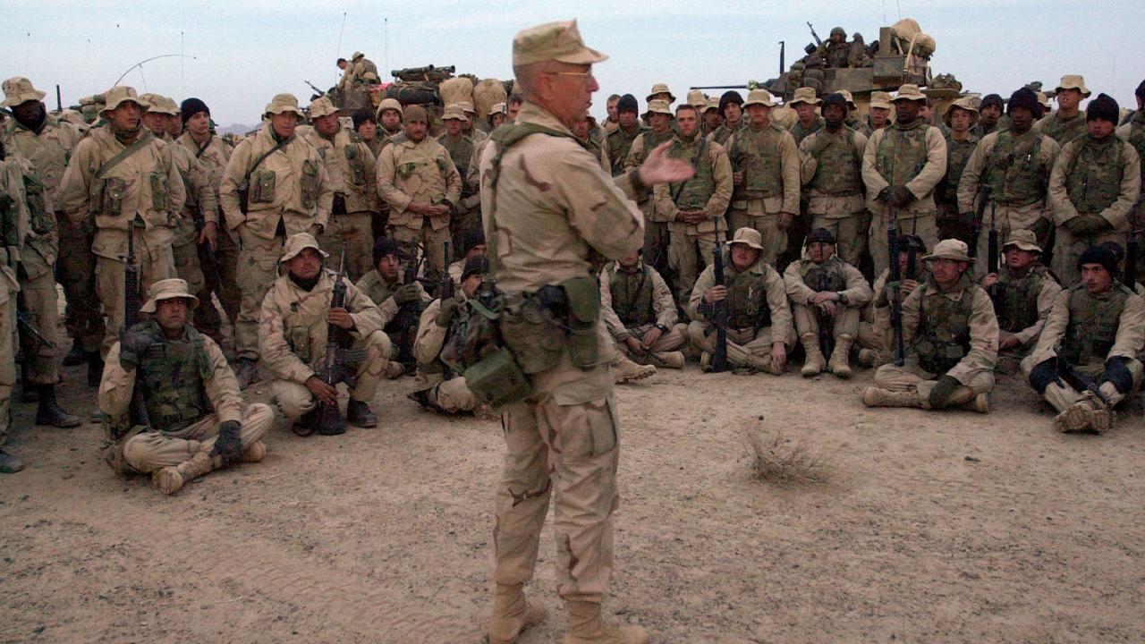 Biden promete retirar todo americano que quiser sair do Afeganistão