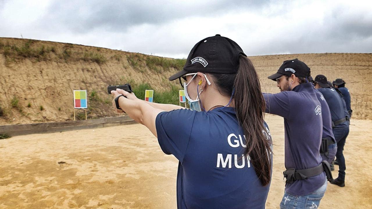 Agentes da Guarda Municipal iniciam parte prática do curso de tiro