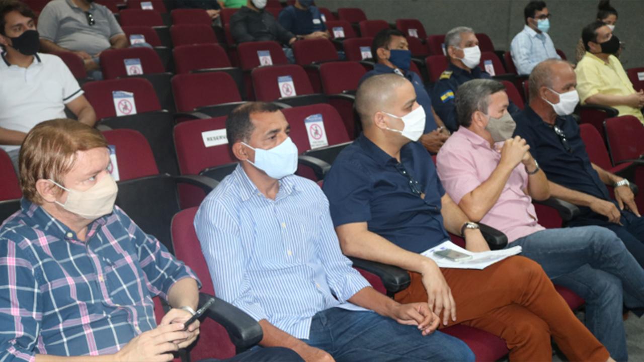 Vereadores participam de audiência pública sobre o Plano Plurianual de Parnamirim