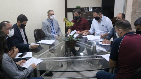 Auditores fiscais participam de reunião sobre Plano de Cargos na Câmara de Parnamirim