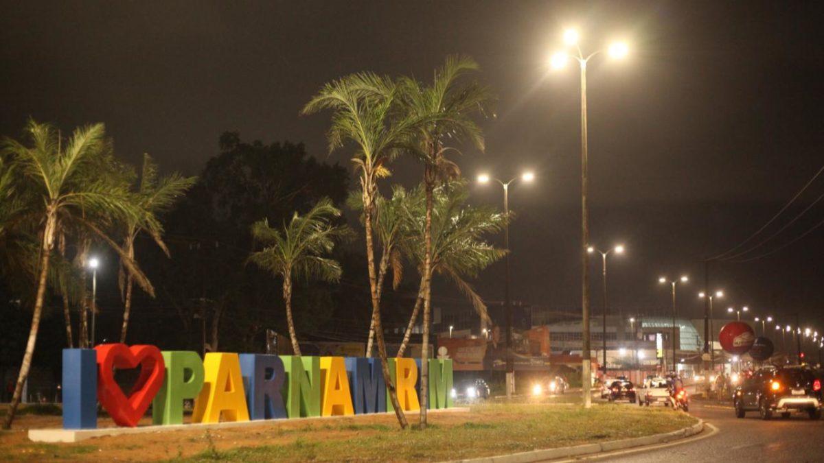 Prefeitura conclui instalação de LED em Nova Parnamirim e Rota do Sol