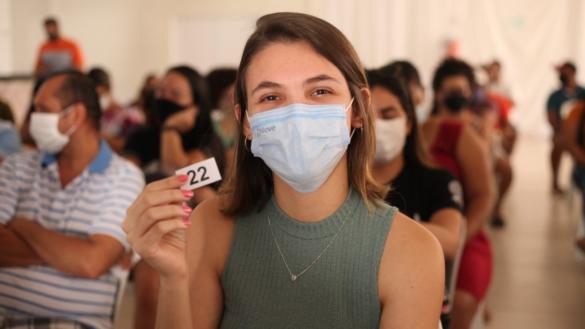 Mais de 600 jovens se vacinaram contra a Covid-19 neste sábado