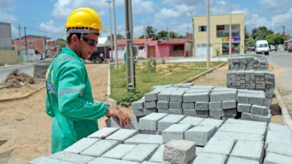 Iniciada a construção de praça no bairro de Monte Castelo